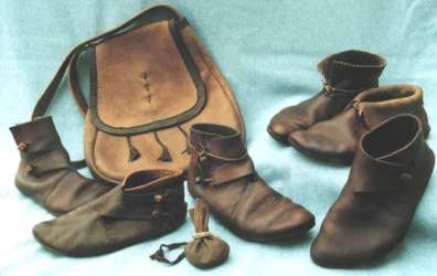 Reproduction leather shoes and pouch by Regia Anglorum