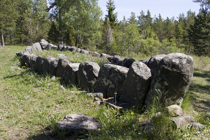 Tjelver's Grave – the stone ship setting of Gotland's first resident, subject of a video we made.